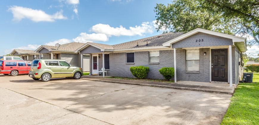 209 N Texas St., Apt 4, Crowley Tx, 76036